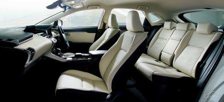 今回はレクサス 初代NXのリアシート(後席)の使い勝手について解説いたします。初代NXは2014年にトヨタ自動...