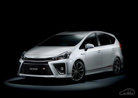 トヨタを代表するハイブリッドカー、トヨタ プリウスの3列シートモデルとして2011年に登場したトヨタ 初代...
