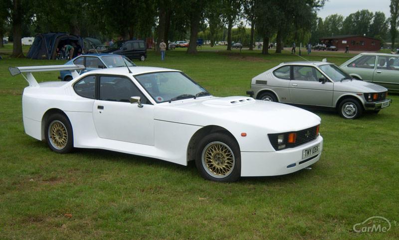 そもそも初代セルボの現存車がキレイな姿で走っている事自体にビックリですが、スズキの大型スポーツバイク...